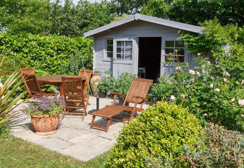 Gartenmöbel aus Holz Haus