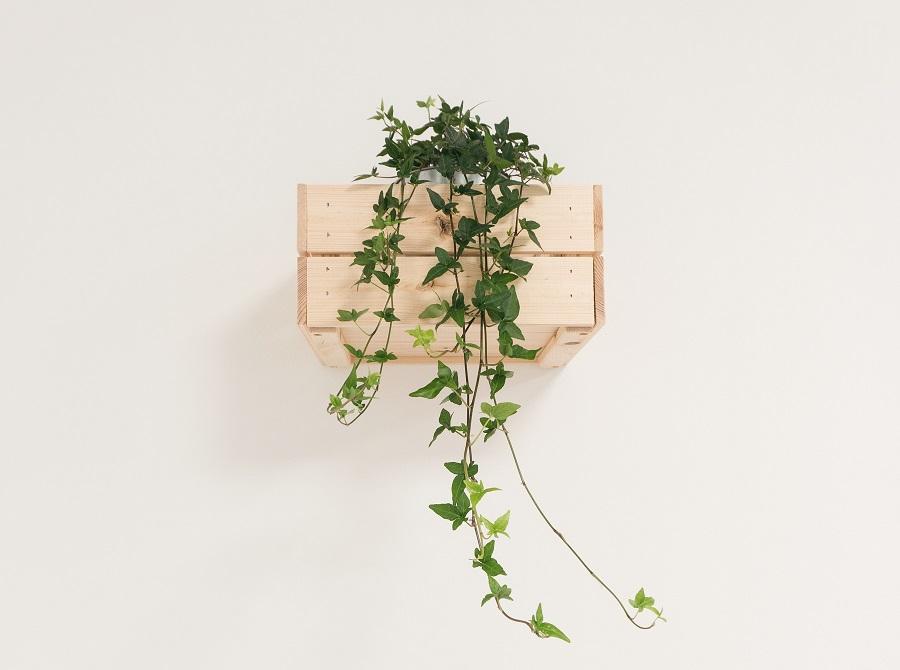 Pflanzenständer aus alten Schubladen