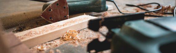 Lamellentüren einbauen – Vielseitig einsetzbar in Nischen, Garderoben und Schrankwänden