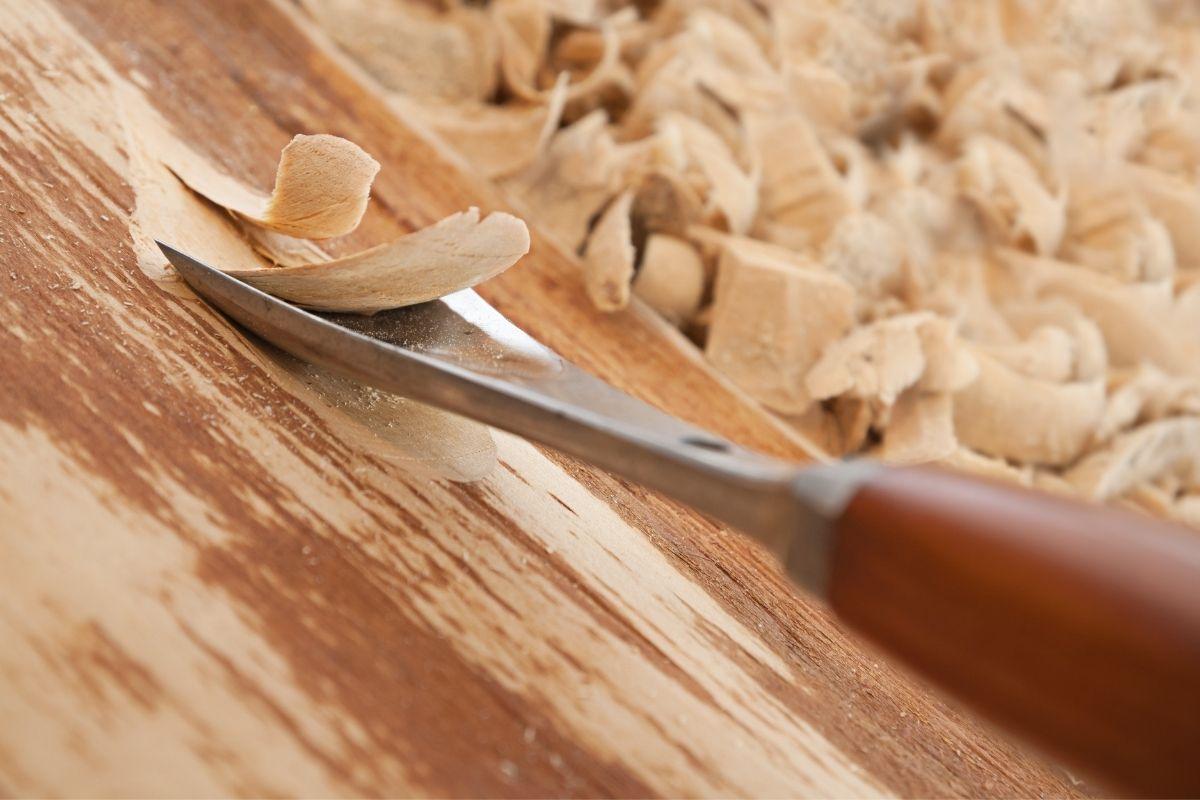 Holz schnitzen