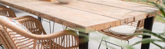 Robust und witterungsbeständig – Möbel aus Eichenholz kaufen