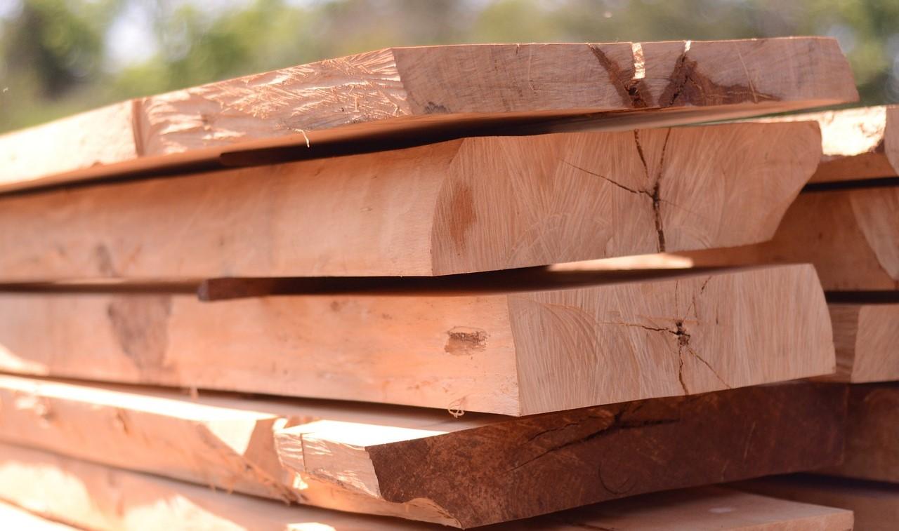 Eichenholzbretter