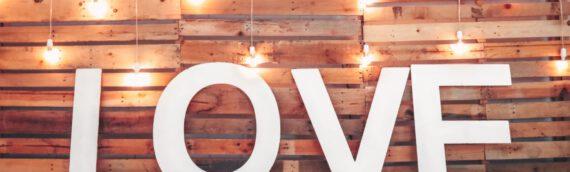 Deko-Buchstaben aus Holz basteln – Hingucker für Ihre Wohnung