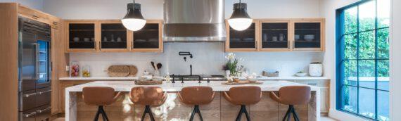 Holzbalken für die Deckengestaltung kaufen – Ihr Wohnzimmer im Landhausstil