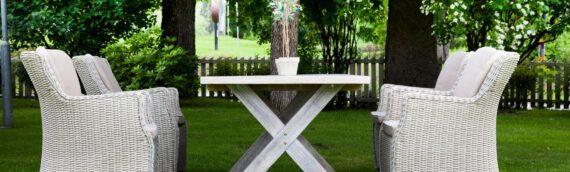 Ab in den Garten – So finden Sie die richtige Gartenlounge mit Esstisch